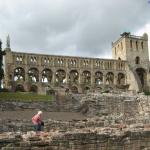 (02) Jedburgh Abbey